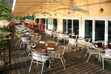 Restaurant Patio Furniture by Great Tropical Outdoor Restaurant Setting With Chairs