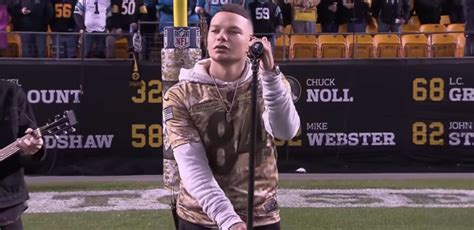 "Kane Brown Sings Heartfelt Ballad ""homesick"" For Us Troops"