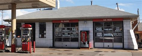 gas l des moines iowa gas stations roadsidearchitecture