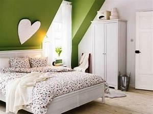 Schlafzimmer Beispiele Farbgestaltung : 38 tolle und behagliche schlafzimmer im dachgeschoss praktische ideen ~ Markanthonyermac.com Haus und Dekorationen