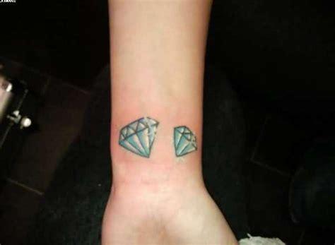 Tattoo : 56 Fantastic Wrist Diamond Tattoos