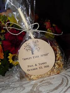 quotappley ever afterquot caramel apple wedding favors for a With caramel apple wedding favors