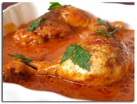 cuisiner haut de cuisse de poulet cuisses de poulet au paprika et à la tomate cookismo recettes saines faciles et inventives