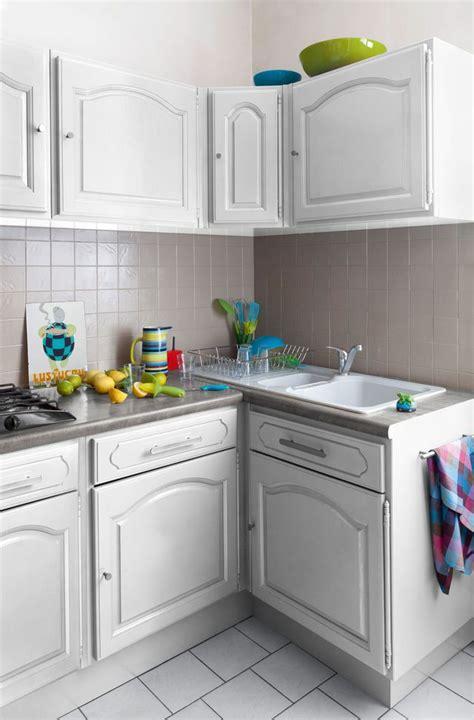 comment renover sa cuisine relooking cuisine facile repeindre les meubles