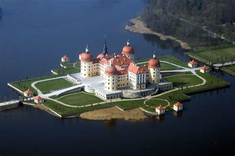 27 665 tykkäystä · 455 puhuu tästä. Schloss Moritzburg (Sachsen) - Wikiwand