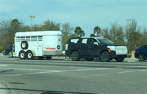chevy tahoe prototype spied towing  trailer