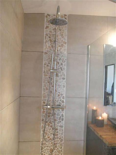 meuble cuisine studio salle de bain avec à l 39 italienne et baignoire îlot