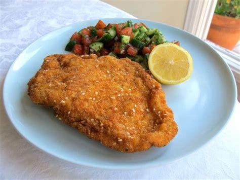 Golden Crispy Fried Chicken Breasts