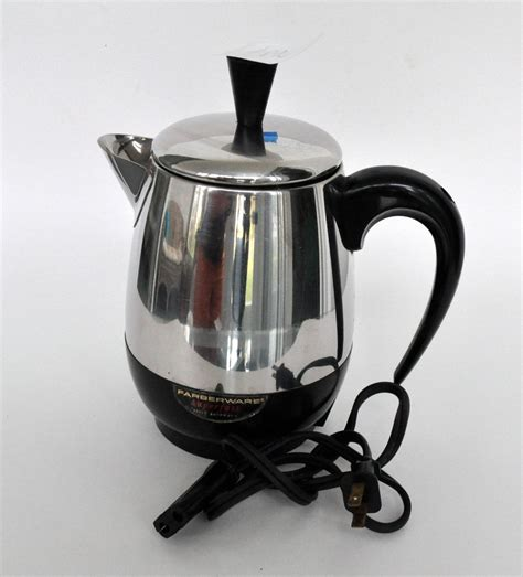 From soup in a small, 1 quart saucepan to spaghetti sauce in the stockpot, these pots are made for cooking. Farberware, Electric Coffee Perk with cord | COFFEE POTS & TEA KETTLES | Electric coffee maker ...
