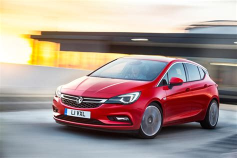 Gm Opel by Gm Europe S Opel Vauxhall Unveils Crucial Astra