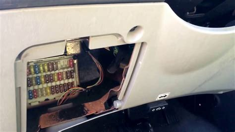 Ford Fusion 2010 Fuse Box Acces by Ford Focus 2004 2011 Fuse Box Location