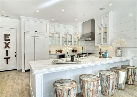 California Beach Cottage for Sale - Home Bunch Interior