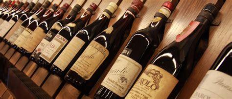 étagère à vin les routes des vins de la et de l italie mordus d italie