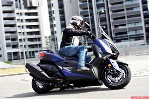 X Max 400 Prix : prova yamaha x max 400 2018 pregi e difetti motociclismo ~ Medecine-chirurgie-esthetiques.com Avis de Voitures
