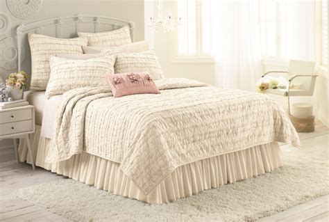 shabby chic bedding kohl s giveaway my kohl s bedding collection shabby look lauren conrad and so cute