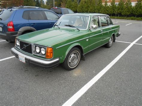 seattles parked cars  volvo  gl
