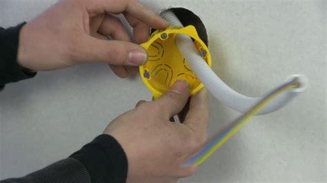 installer une bo 238 te d encastrement dans une plaque de pl 226 tre