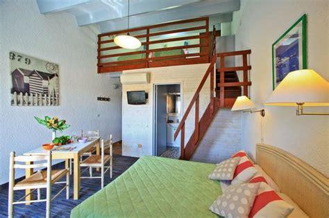 chambre d hotel avec kitchenette chambre 4 personnes avec kitchenette ou sans photo de