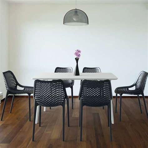 4 pieds 4 chaises chaise moderne ajourée en polypropylène air 4 pieds
