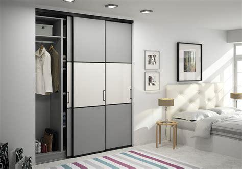 placard intégré chambre porte de placard en verre laqué mate ou brillante