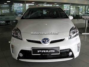 Toyota Prius Versions : all new prius c and third generation prius now in toyota showrooms borneopost online borneo ~ Medecine-chirurgie-esthetiques.com Avis de Voitures