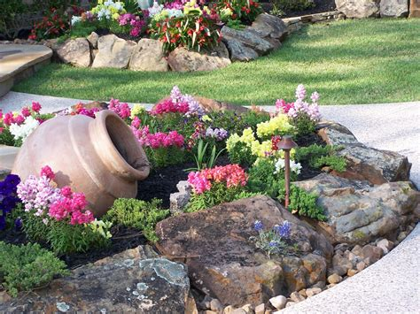 create  beautiful rock garden geniuszone