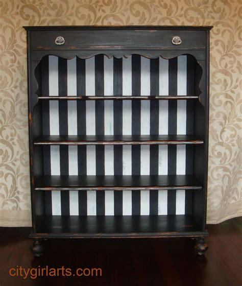 White And Black Bookcase by 1000 Ideas About Black Bookcase On Fireplace