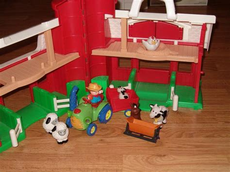 Fisher Price Toy . Larger Barn , Farm Animals, Tractor