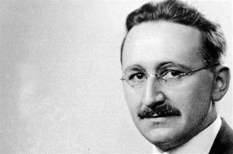 economist friedrich hayek biography theories  books