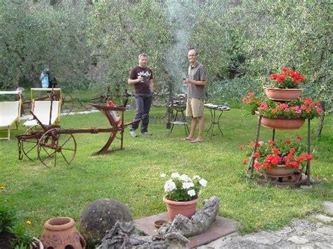 Grill Im Garten by Grillen Im Garten Bild Camere Dentro Il