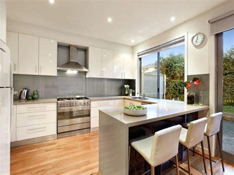 open l shaped kitchen designs la cuisine en u avec bar voyez les derni 232 res tendances 7196