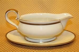Bavaria Elfenbein Porzellan Goldrand : eschenbach bavaria elfenbein porzellan china gravy boat gold black rope 05837 ebay ~ Michelbontemps.com Haus und Dekorationen