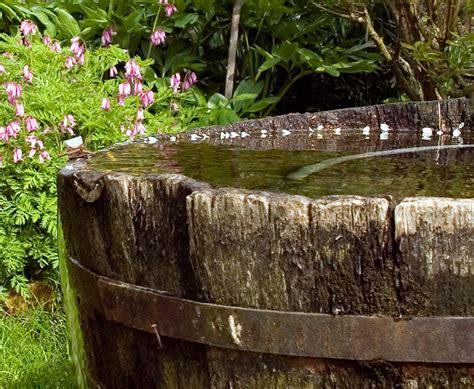 Galerie Von Klauspeter Netzel Im Garten  Altes Wasserfaß