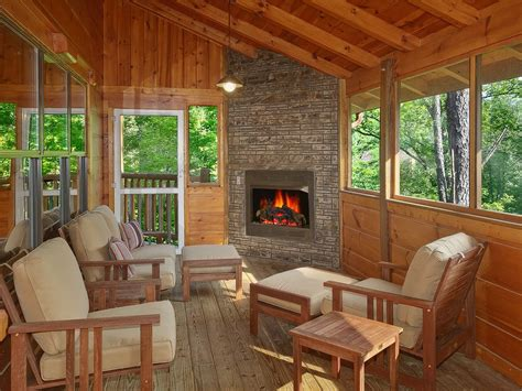 bedroom cabin  screened  porch  outdoor