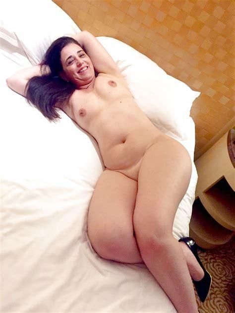 My Curvy Brazilian Wife Exposing Her Sexy Body Pics