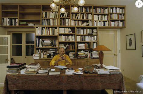 baise dans le bureau jean coffe dans le bureau bibliothèque de sa maison