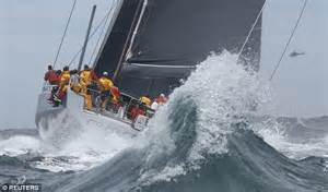 Boat Us Weather Course by Sydney To Hobart Race Sees Us Yacht Commanche Leads After