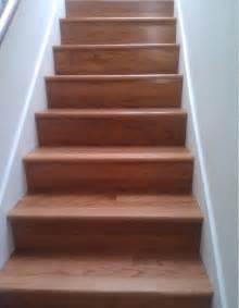 stair warm look stair design with mahogany treads combine with brown oak wood newel post and