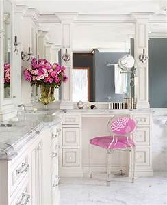 20 chic uses of marble in home decor for Pink and cream bathroom