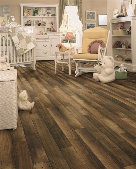 Laminate flooring with a unique multi tone appearance