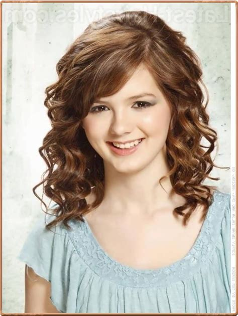 hairstyles for medium length curly hair with bangs