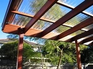 ウッドデッキには、屋根を付けた方がよいのか?その答えは!