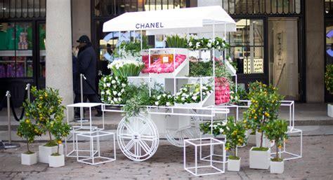 chanel pop  flower stall global blue
