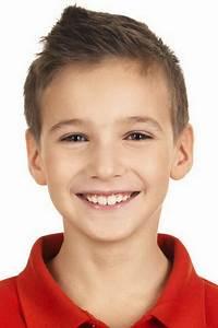 Coupe De Cheveux Pour Enfant : coupe de cheveux court enfant ~ Dode.kayakingforconservation.com Idées de Décoration