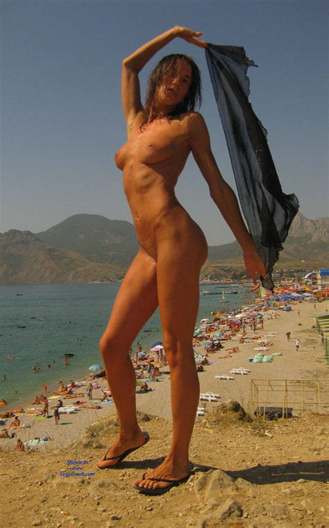 Having Fun In Beach Naked January Voyeur Web