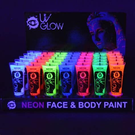 Farbe Die Im Dunkeln Leuchtet Für Aussen by 6 X 10ml Uv Bodypaint K 246 Rpermalfarben Schwarzlicht