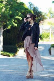 Pleated Skirts Street-Style