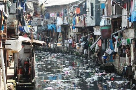 angka kemiskinan  jakarta diklaim  rendah  indonesia