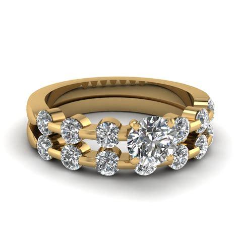 1 Carat Diamond Rings  One Carat  Fascinating Diamonds. Bracelet Beads For Sale. Stone Bead Bracelet. Ladies Jewellery Sale. Rose Gold And White Gold Wedding Band
