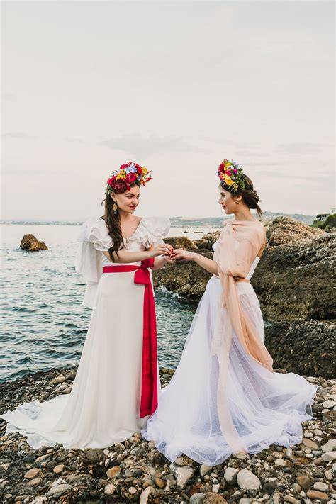 Eclectic Colorful Frida Kahlo Beach Wedding Inspiration